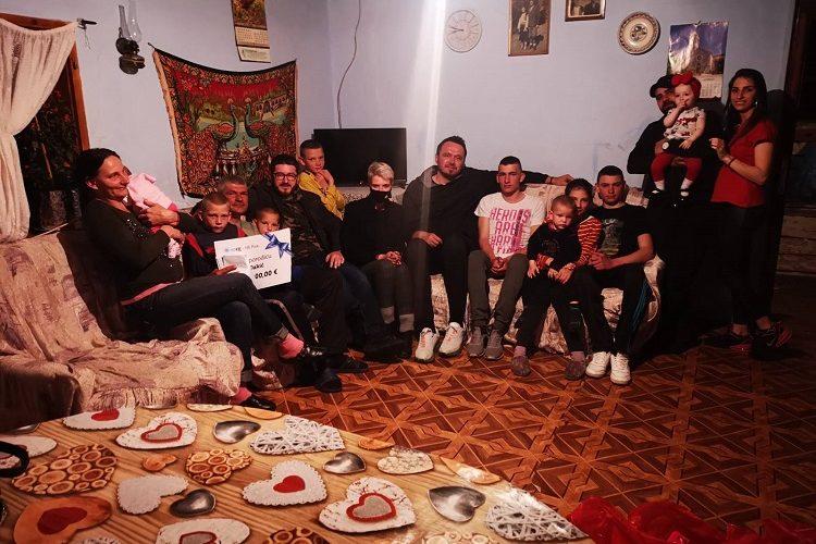 """Autor emisije """"Dnevnica"""" organizovao pomoć za porodicu iz Pive sa desetoro djece i doživio šok kada je došao u selo: Nije znao da se radi o školskom drugu o kome ništa nije znao 27 godina!"""