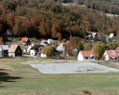 Puška zakočila, sakrili se u šumarku: Više od 15 djece i tinejdžera Marko Zečević držao na nišanu na Veruši